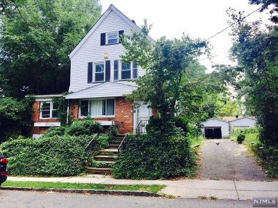 Englewood Single Family Home For Sale: 256 Hirliman Road