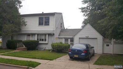 Teaneck Single Family Home For Sale: 1719 Ardsley Court