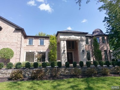 Englewood Cliffs Single Family Home For Sale: 7 Roberts Road
