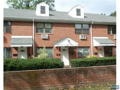 Teaneck Condo/Townhouse For Sale: 682a Palisade Avenue