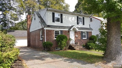Teaneck Single Family Home For Sale: 153 East Tryon Avenue