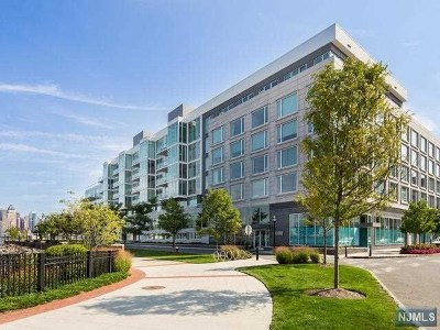 Weehawken Condo/Townhouse For Sale: 1000 Ave At Port Imperial #401