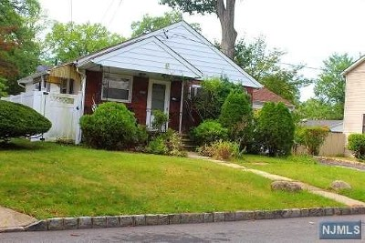 Englewood Single Family Home For Sale: 310 Shepard Avenue
