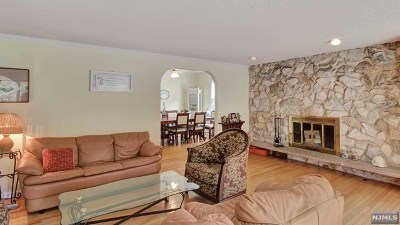 Tenafly Single Family Home For Sale: 17 Lindley Avenue