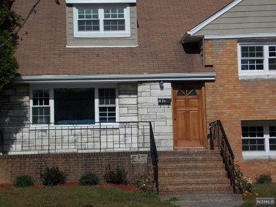 Teaneck Single Family Home For Sale: 87 Hirliman Road