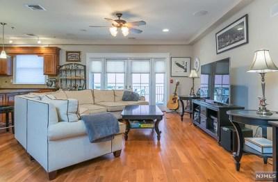 Hoboken NJ Condo/Townhouse For Sale: $859,000