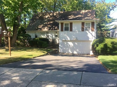 Teaneck Single Family Home For Sale: 1654 Buckingham Road