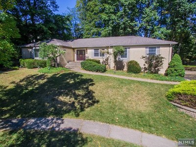 Oradell Single Family Home For Sale: 1000 Cordes Court