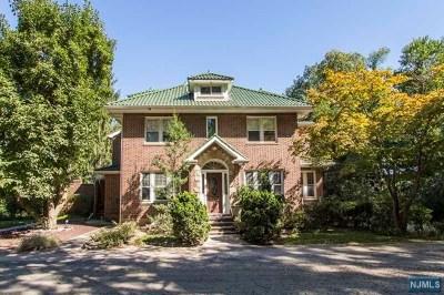 Demarest Single Family Home For Sale: 176 Chestnut Street