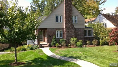 Teaneck Single Family Home For Sale: 1532 Jefferson Street