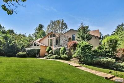 Cresskill Single Family Home For Sale: 209 Truman Drive