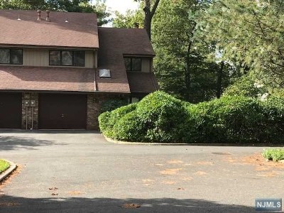 Englewood Condo/Townhouse For Sale: 455 Tenafly Road #455