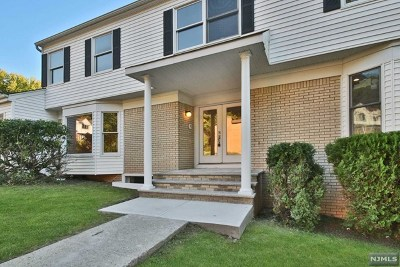 Englewood Single Family Home For Sale: 532 Cape May Street
