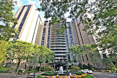 Fort Lee Condo/Townhouse For Sale: 1512 Palisade Avenue #8l