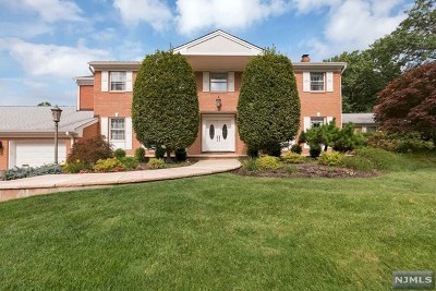 Englewood Cliffs Single Family Home For Sale: 1 Demarest Court
