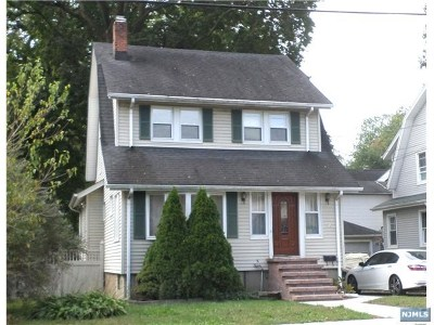 Hackensack Single Family Home For Sale: 141 Spring Valley Avenue