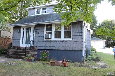 Leonia Single Family Home For Sale: 450 Fort Lee Road
