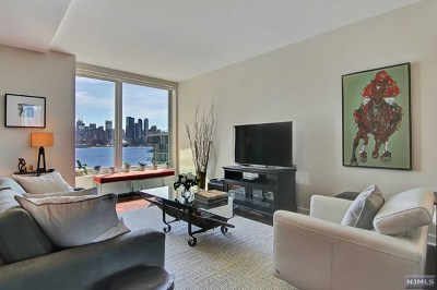 Weehawken Condo/Townhouse For Sale: 1000 Ave At Port Imperial #615