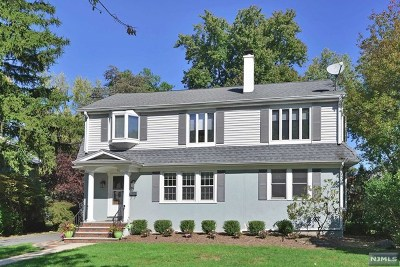 Englewood Single Family Home For Sale: 55 Concord Street