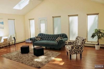 Teaneck Single Family Home For Sale: 1217 Kensington Road