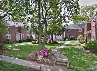 Englewood Condo/Townhouse For Sale: 100 Huguenot Avenue #6a