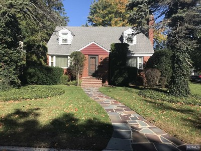 Teaneck Single Family Home For Sale: 507 Churchill Road