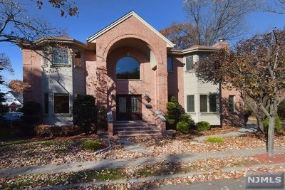 Fort Lee Single Family Home For Sale: 1461 Center Avenue