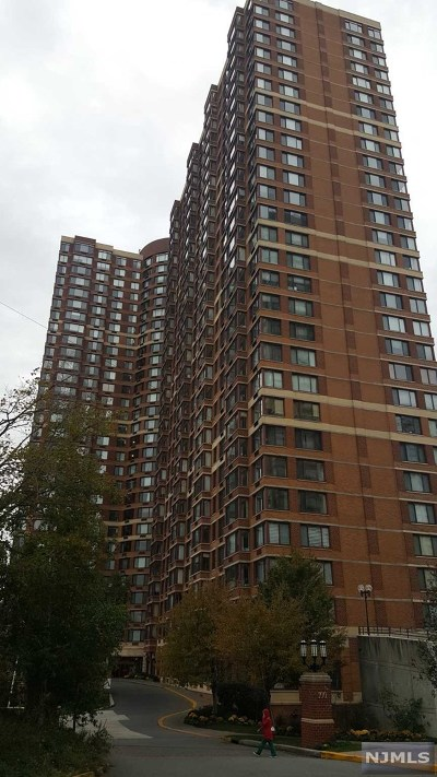 Fort Lee Condo/Townhouse For Sale: 100 Old Palisade Road #4002