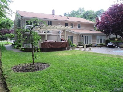 Englewood Single Family Home For Sale: 363 Kenwood Street