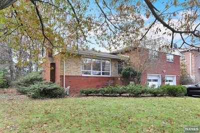 Englewood Cliffs Single Family Home For Sale: 30 New Street