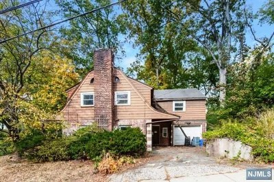 Teaneck Single Family Home For Sale: 675 Northumberland Road