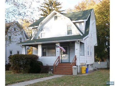 Teaneck Single Family Home For Sale: 301 Highwood Street