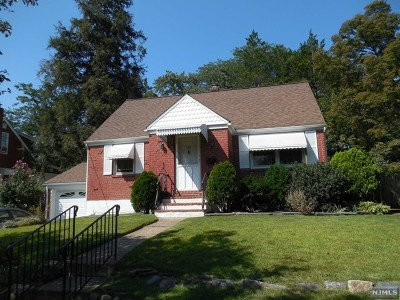 New Milford Single Family Home For Sale: 191 River Lane