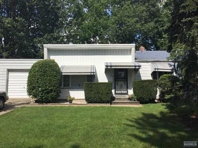 River Edge Single Family Home For Sale: 284 Van Saun Drive