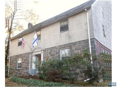 Englewood Single Family Home For Sale: 346 Broad Avenue