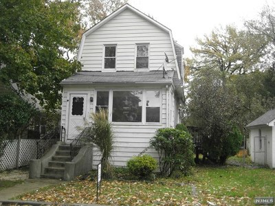 Teaneck Single Family Home For Sale: 1211 Arlington Avenue