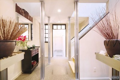 Englewood Condo/Townhouse For Sale: 38 Hidden Ledge Road