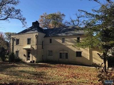 Englewood Single Family Home For Sale: 333 Johnson Avenue