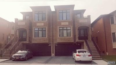 Palisades Park Condo/Townhouse For Sale: 74 East Oakdene Avenue #B
