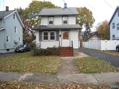 Teaneck Single Family Home For Sale: 663 Maple Avenue