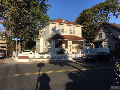 Teaneck Single Family Home For Sale: 460 Glenwood Avenue