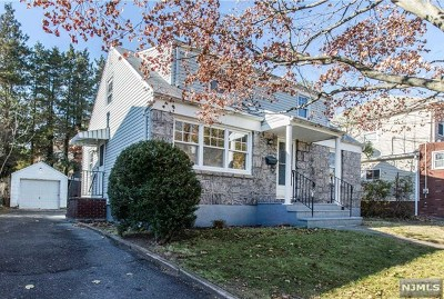 Englewood Single Family Home For Sale: 428 Valley View Road