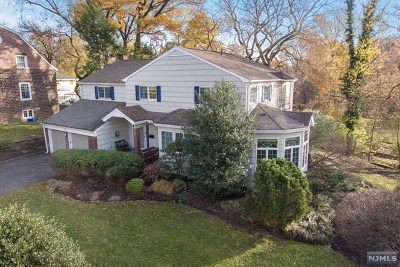 Teaneck Single Family Home For Sale: 628 Cadmus Court