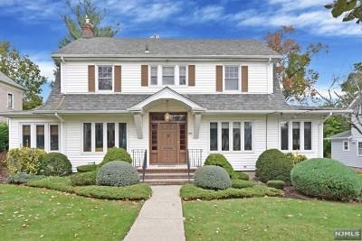 Teaneck Single Family Home For Sale: 397 Warwick Avenue