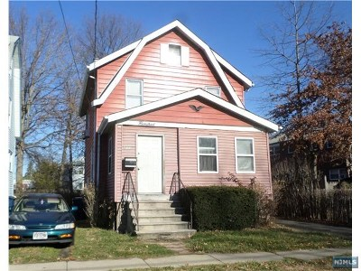 Hackensack Single Family Home For Sale: 260 Clay Street