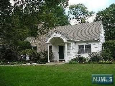Tenafly Single Family Home For Sale: 123 Westervelt Avenue