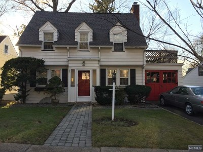 Teaneck Single Family Home For Sale: 686 Northumberland Road