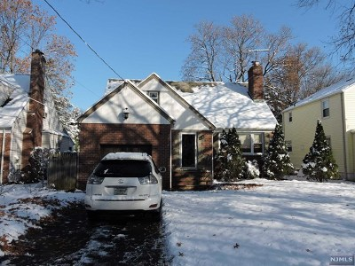Teaneck Single Family Home For Sale: 233 Pine Street