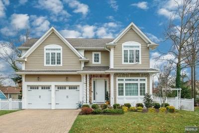 Cresskill Single Family Home For Sale: 128 Heatherhill Road