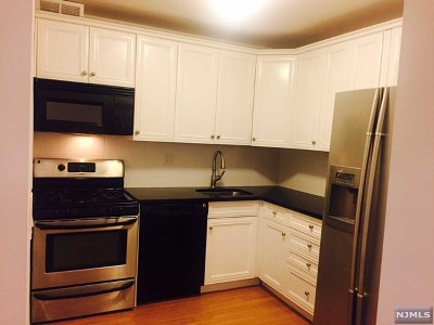 Fort Lee Condo/Townhouse For Sale: 2000 Linwood Avenue #7x